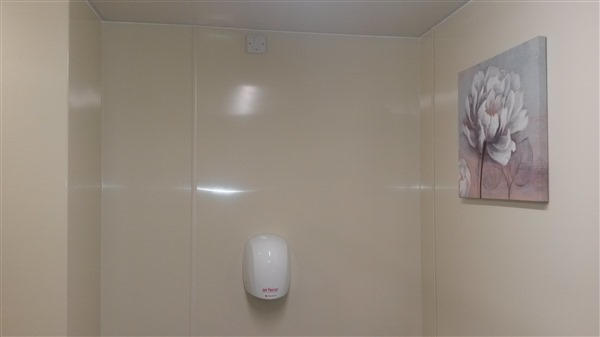 Prclad Creme sheets in a supermarket toilet